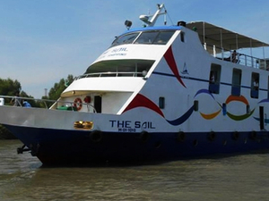 Luxurious Cruise Ship For Sundarban Tour Photos