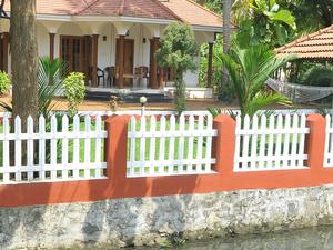 1 Night Kumarakom Homestay and 1 Night Houseboat Photos