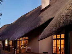 Mokuti Etosha Lodge