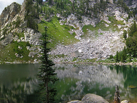 Amphitheater Lake Trail