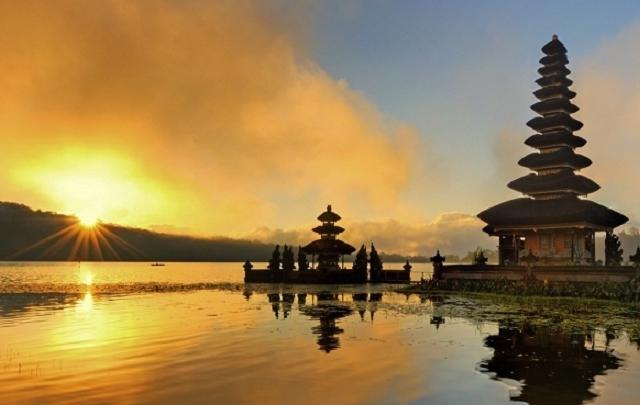 Sun Sea & Shopping Tour In Bali Photos