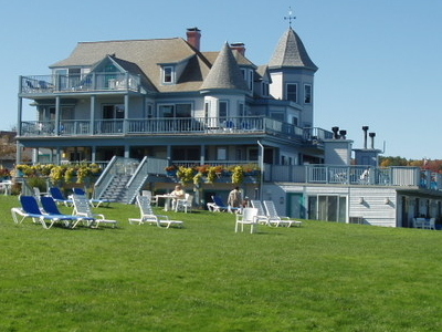 Beachmere Inn