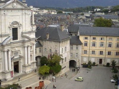Cour Du Chateau In Central Chambery