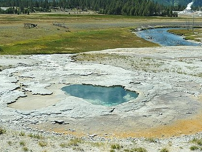 Depression Geyser - Yellowstone - USA