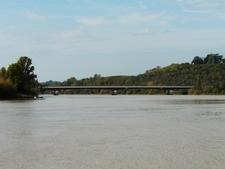 Dordogne Viaduc Mascaret