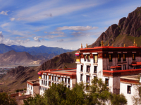 Kathmandu to Lhasa Tour via Everest Base Camp - 9 Days