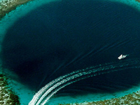 Great Blue Hole Diving Site