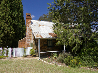 Historic  Blundells Cottage