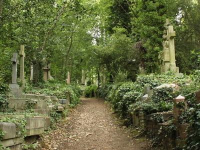 Resultado de imagem para cemitério de highgate