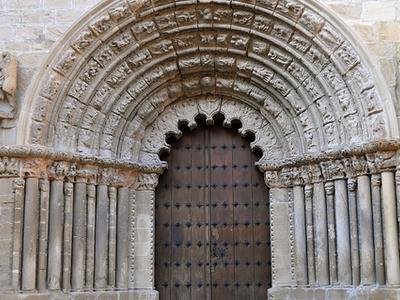 Iglesia De Santiago De Puente La Reina