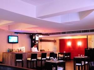 Regale Inn