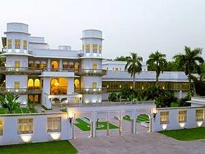 Usha Kiran Palace Hotel