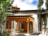 Lha-Ri-Sa Resort
