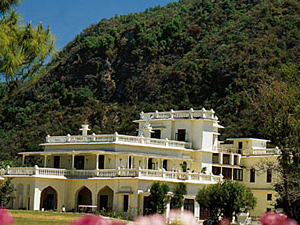 Ananda In The Himalayas (Narender Nagar)