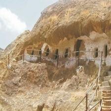 Kadia-Dungar-Caves-Gujarat