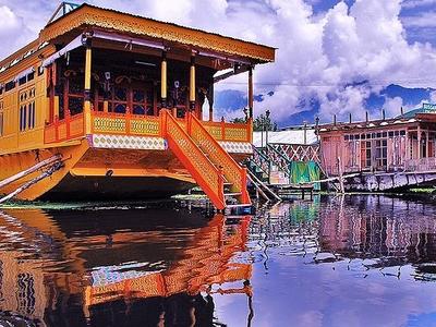 Kashmir Houseboats Information Kashmir Houseboats Srinagar