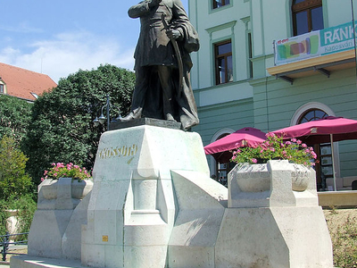 Kossuth statue