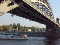 Krasnoluzhsky Bridge