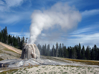 Lone Star Geyser Trail