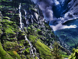 Chandigarh, Shimla, Manali, Dharamshala, Dhalhosie and Amritsar 10 Days Package Photos