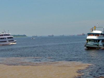Manaus  Encontro Das Aguas