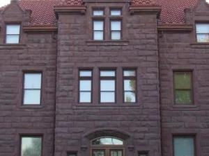 Moss Mansion
