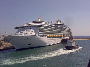 Piraeus Arrival Transfer: Cruise Port to Central Athens Photos