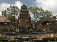 Pura Taman Saraswati