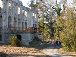 Póstelek Castle
