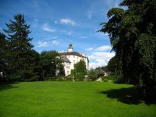 Schloss Ambras Green Park