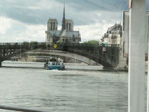 Seine River Cruise: Bateaux Parisiens Sightseeing Cruise Photos