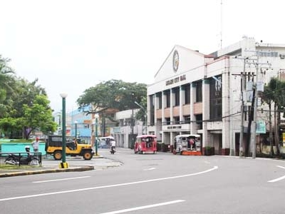 Street Scene With Legazpi City Hall