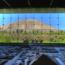 Sun Pyramid And The Teotihuacan Diorama