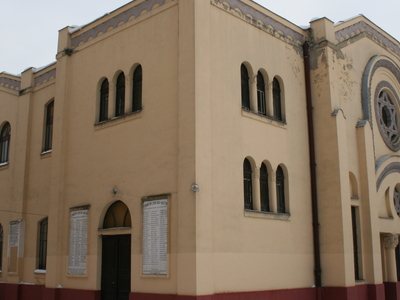 Synagogue in Kápolnás Street