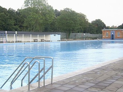 Tooting Bec Lido London England Tourist Information