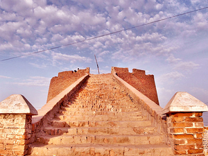Day Trip to Umerkot Fort Photos
