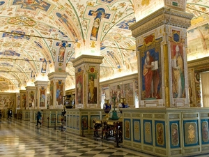 Viator VIP: Sistine Chapel Private Viewing & Small-Group Tour Of The Vatican's Secret Rooms Photos