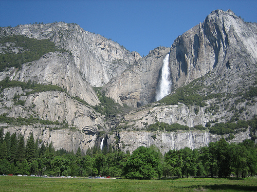 the yosemite and malibus tourist attractions in the united states Yosemite national park, one of the first wilderness parks in the united states, is best known for its waterfalls, granite walls and domes within its nearly 1,200 square miles, you can find deep.
