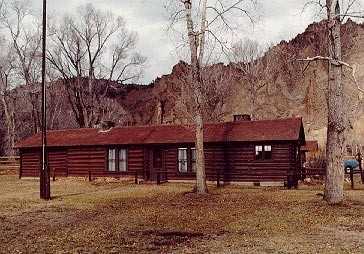 Wapiti Ranger Station - Yellowstone - USA