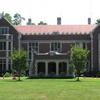 Waveny Mansion In Waveny Park
