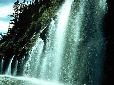 Weeping Wall - Glacier - USA