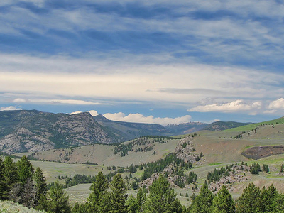 Yellowstone River Picnic Trail