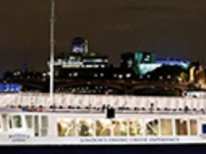 Bateaux London Dinner Cruise Photos