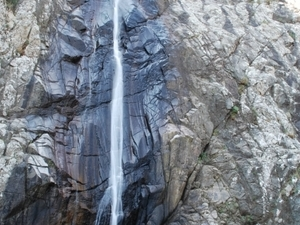 Between mountains and waterfalls Photos