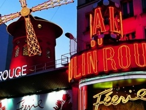 Christmas Time Dinner at Moulin Rouge Paris Photos