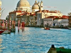 Discover Hidden Bars In Venice Photos