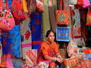 Full Day Delhi shopping tour with shopping expert Guide and Mouthwatering food. Photos