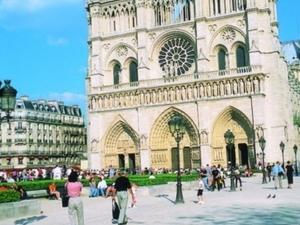 Guided tour : Historical Paris & visit Notre Dame - PH Photos