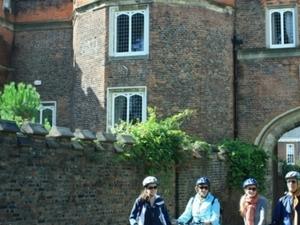 Hampton Court Palace Bike Tour  +/- Royal Park + afternoon tea picnic (PRIVATE) Photos