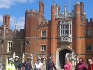 Hampton Court Palace by bike + visit palace Photos